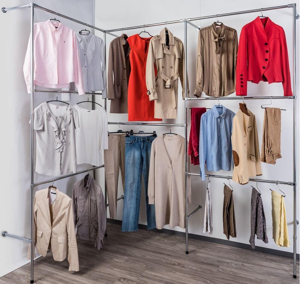 Begehbarer kleiderschrank kleiderstange  Kleiderständer Company - begehbarer Kleiderschrank, Kleiderkammer ...